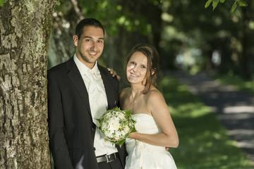 Happy Liebespaar-Hochzeit