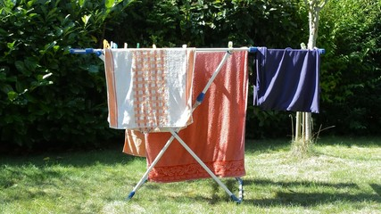 Wäschetrockner in der Sonne