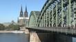 köln dom mit hohenzollernbrücke und Rhein