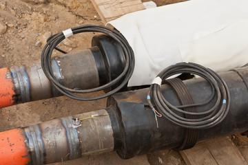 Fernwärmenetz - Neue Rohre wurden mit den alten verschweisst