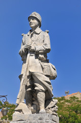Statua dedicata ai caduti