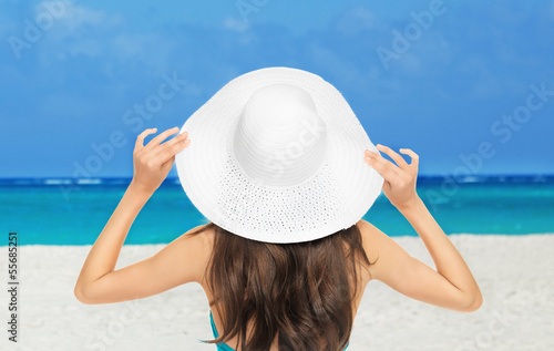 girl posing on the beach