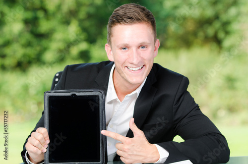 geschäftsmann mit tablet pc