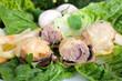 Champignons mit Hackfleischfüllung und Käse überbacken