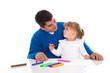 Familie - Vater und Tochter malen gemeinsam - isoliert