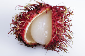 Eröffnet Rambutan Obst (Nephelium lappaceum)