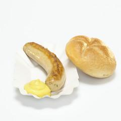 Deutsche Bratwurst, Bratwurst und Brot mit Senf in Pappteller