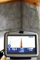 Navigationsgerät vor atlas