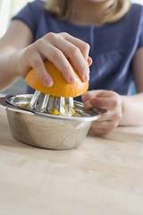 Herstellung von frischem Orangensaft