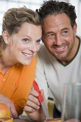 Älteres Paar in der Küche, Portrait