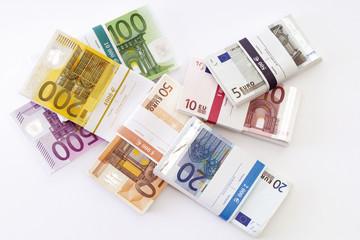 Bündel von Euro-Banknoten, Draufsicht
