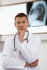 Arzt mit Stethoskop