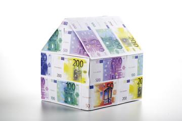 Einfamilienhaus aus Euro-Banknoten