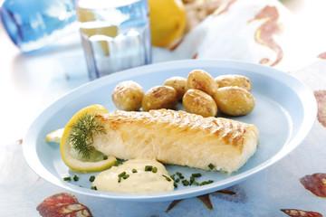 Kabeljau mit Remoulade und Bratkartoffeln