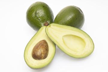 Avocados, Freisteller, weißer Hintergrund