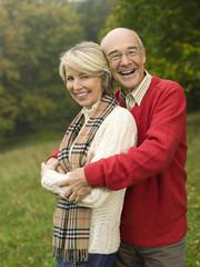 Deutschland, Baden-Württemberg, Schwäbische Alb, Älteres Paar, Portrait, lächelnd