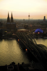 Deutschland, Köln, Brücke und Dom