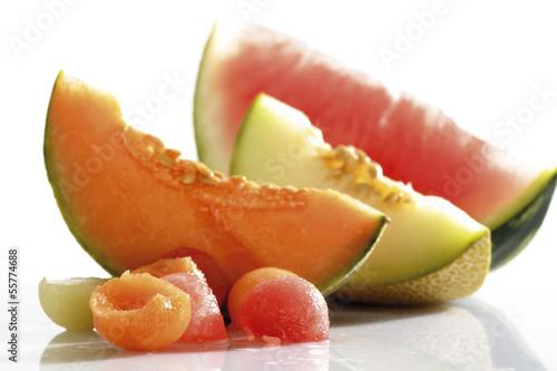 Melonenkugeln und Scheiben von der Melone