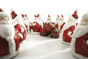 Weihnachtsmann-Figuren