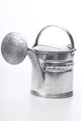 Silberne Gießkanne, Freisteller, weißer Hintergrund