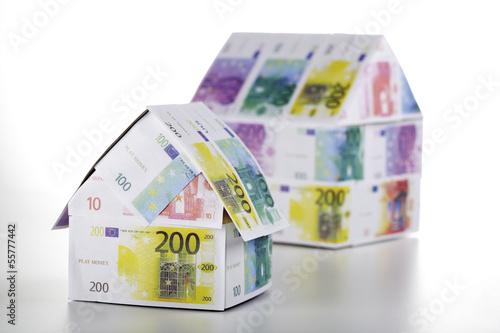Zwei Häuser von Euro-Banknoten, Nahaufnahme