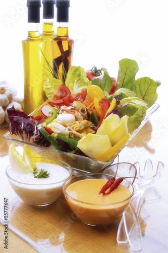 Gemischter Salat mit Meeresfrüchten