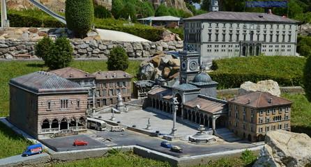 Piazza della Libertà, Udine - parco Italia in miniatura