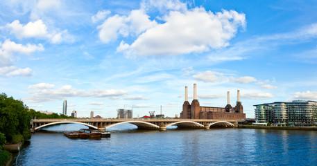 Grosvenor Bridge with Battersea Power Station