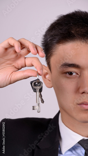mann mit schlüssel