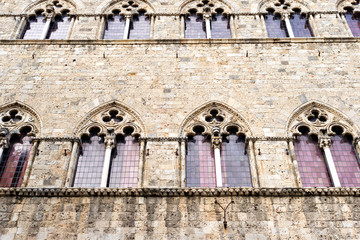Windows of a building of Siena