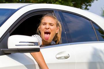 Freche Autofahrerin
