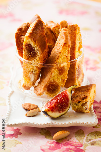 Biscotti with fig  and nuts