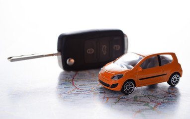 Autokosten,  Modellauto mit Autoschlüssel