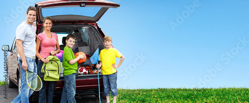 Tuinposter Kamperen Happy family near new car.