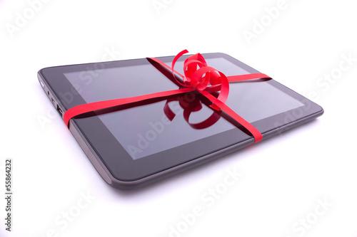 Tablette tactile : cadeau emballée avec du ruban  - 55864232