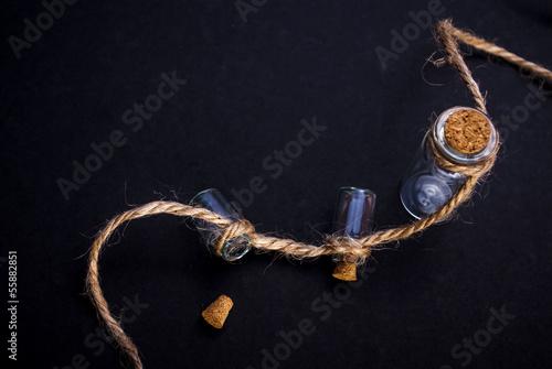 банки на веревке
