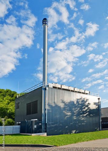 Leinwanddruck Bild Modernes Blockheizkraftwerk BHKW mit Kraft-Wärme-Kopplung