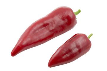 Rote Spitzpaprikaschoten, freigestellt