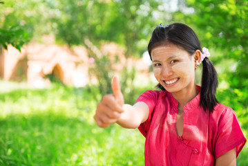 Myanmar girl thumb up