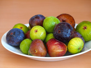 Figs (different types) on plate