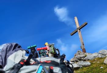 groupe au sommet dans les alpes,randonnée
