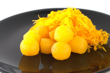 Gold egg yolks drops and Pinched gold egg yolks