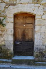 アンティークな木のドア