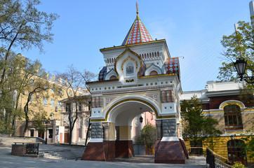 Николаевская арка во Владивостоке