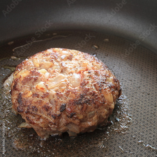 pan frying hamburger