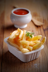 patate fritte con ketchup