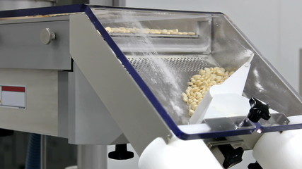 Machines for tableting drugs