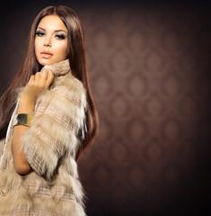 Beauty Fashion Model Girl in Fox Fur Coat