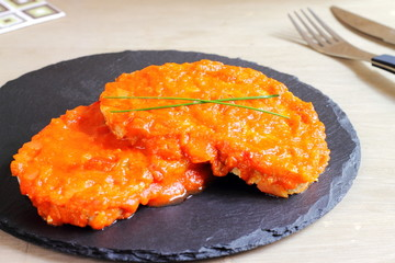 Tuna fish fillets in tomato sauce
