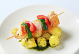 Chicken skewer with potatoes